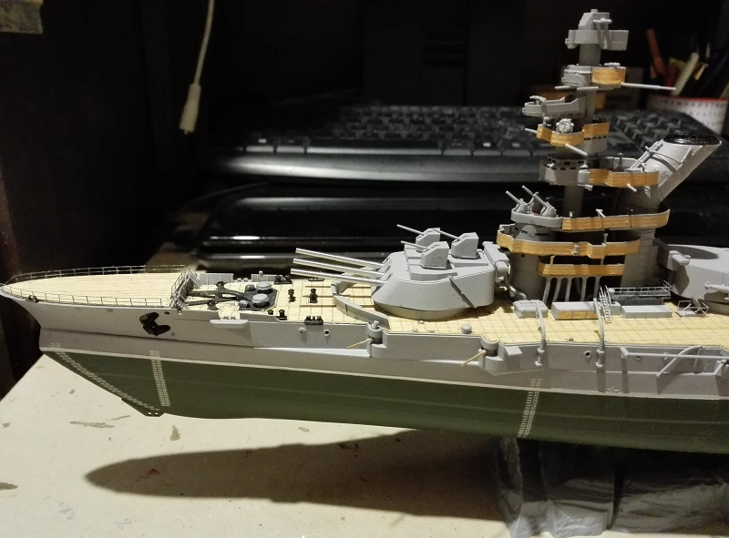 Marat Battleship Russian de Zvezda a 1/350 Img_2119