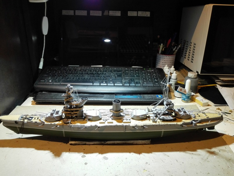 Marat Battleship Russian de Zvezda a 1/350 Img_2120