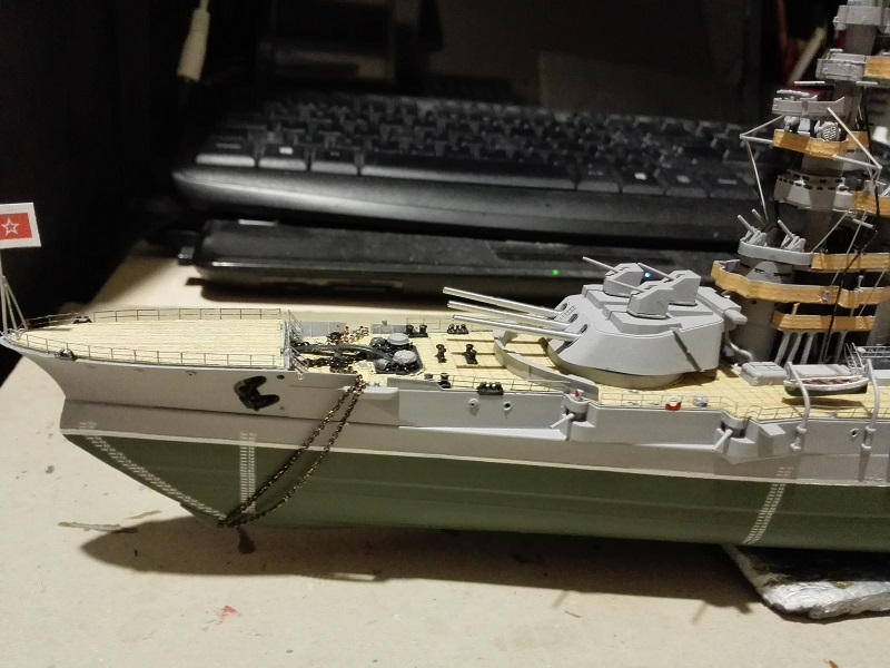 Marat Battleship Russian de Zvezda a 1/350 Img_2121