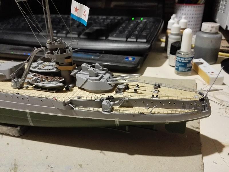 Marat Battleship Russian de Zvezda a 1/350 Img_2125