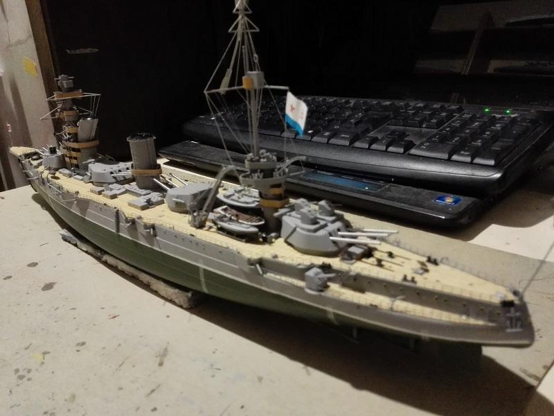 Marat Battleship Russian de Zvezda a 1/350 Img_2127
