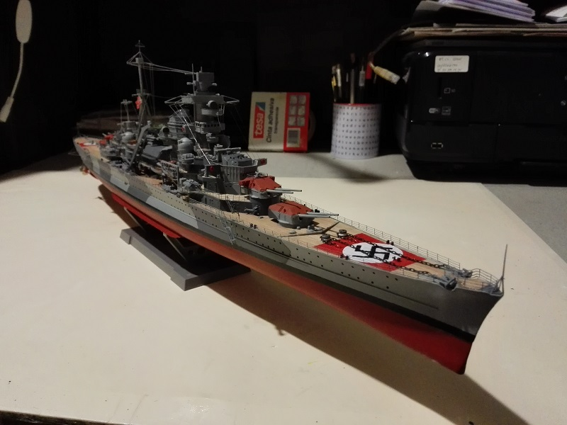 DKM Admiral Hipper Heavy Cruiser a 1/350 de Trumpeter Img_2202
