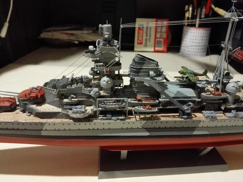 DKM Admiral Hipper Heavy Cruiser a 1/350 de Trumpeter Img_2205