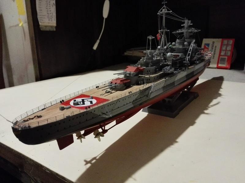 DKM Admiral Hipper Heavy Cruiser a 1/350 de Trumpeter Img_2209