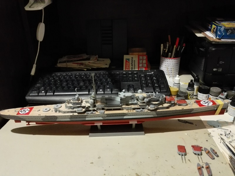 DKM Admiral Hipper Heavy Cruiser a 1/350 de Trumpeter Img_2220