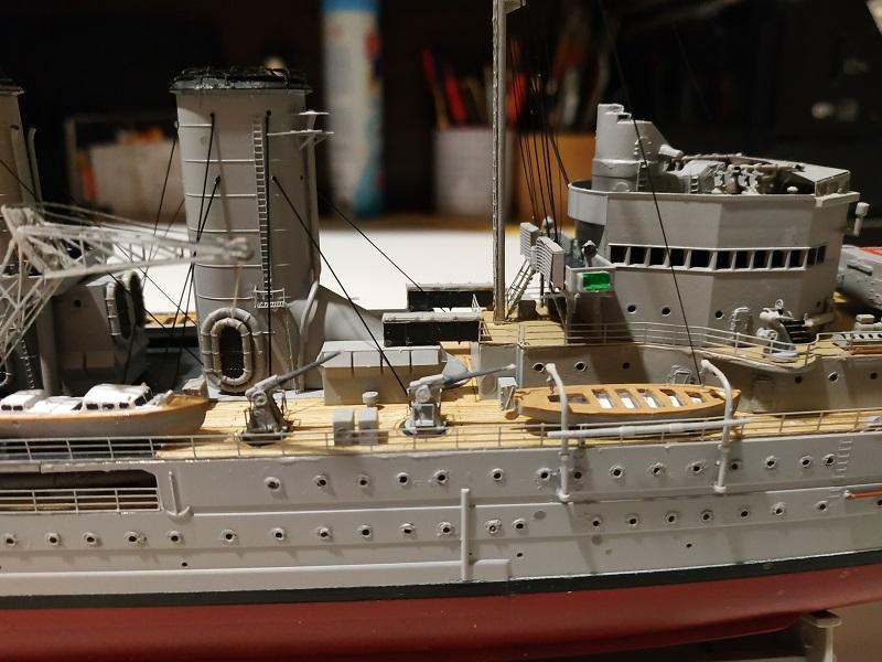 HMS Exeter 1/350 de Trumpeter Img_2413