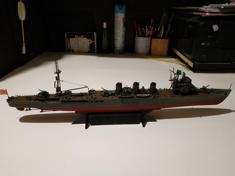 IJN Isuzu Light Cruiser a 1/350 de Aoshima Img_2449