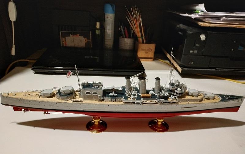 HMS Cornwall Croiseur Pesant 1/350 de Trumpeter Img_2546