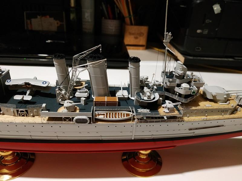 HMS Cornwall Croiseur Pesant 1/350 de Trumpeter Img_2549
