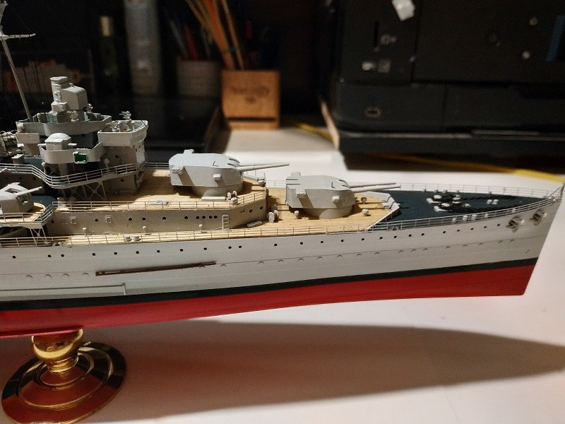 HMS Cornwall Croiseur Pesant 1/350 de Trumpeter Img_2550