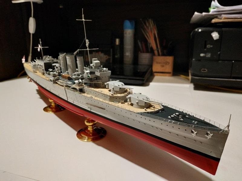 HMS Cornwall Croiseur Pesant 1/350 de Trumpeter Img_2552
