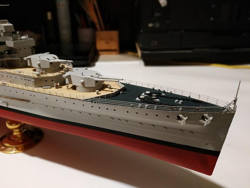 HMS Cornwall Croiseur Pesant 1/350 de Trumpeter Img_2553