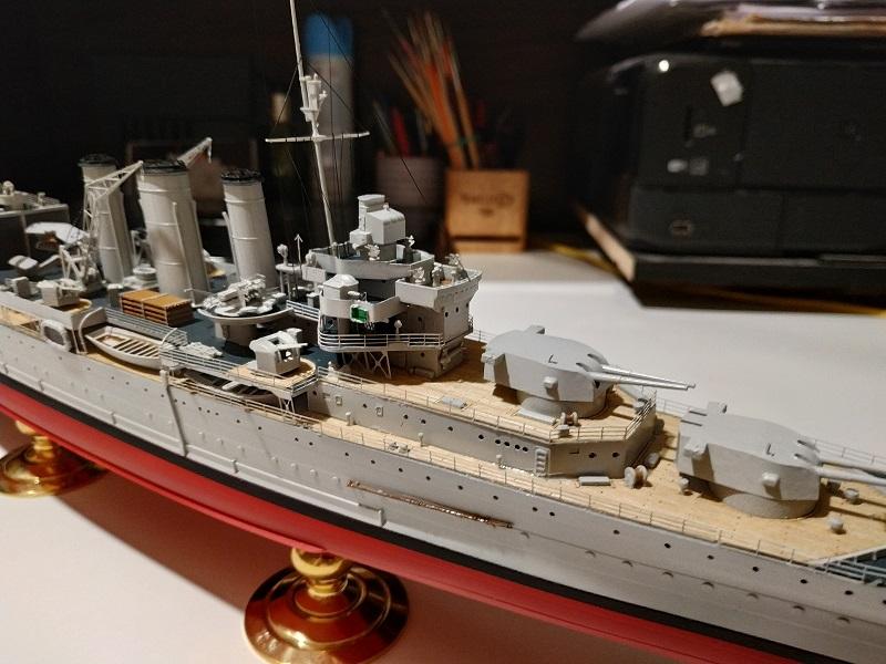 HMS Cornwall Croiseur Pesant 1/350 de Trumpeter Img_2554