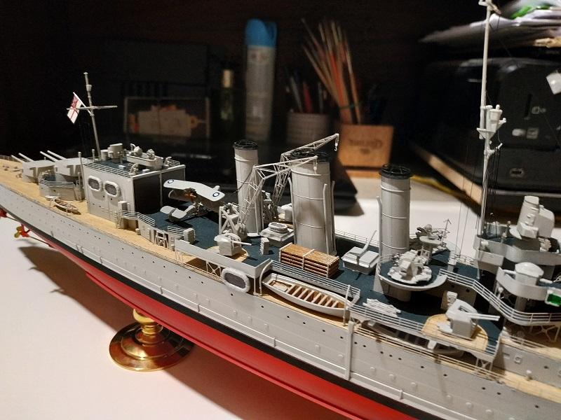 HMS Cornwall Croiseur Pesant 1/350 de Trumpeter Img_2555
