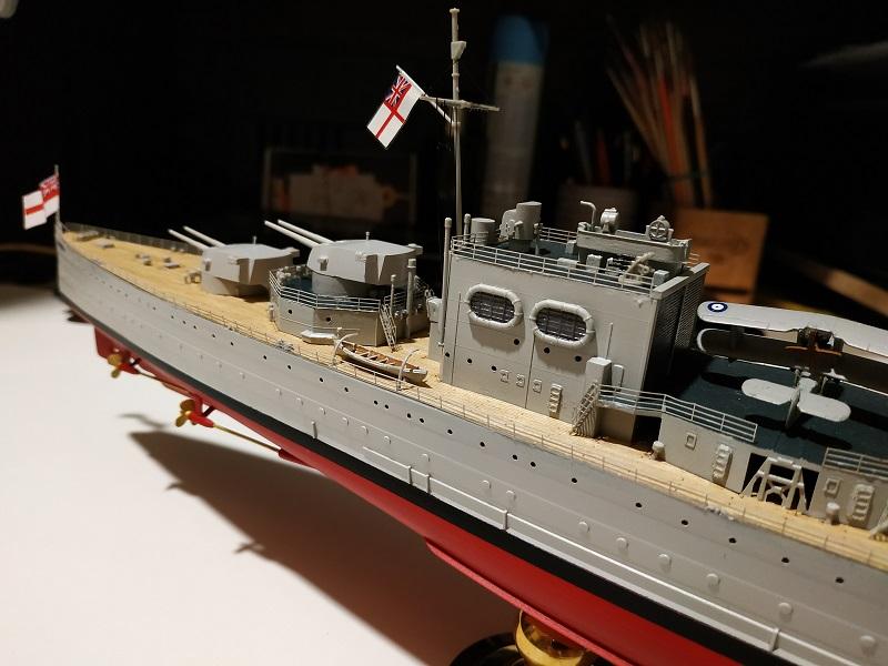 HMS Cornwall Croiseur Pesant 1/350 de Trumpeter Img_2556
