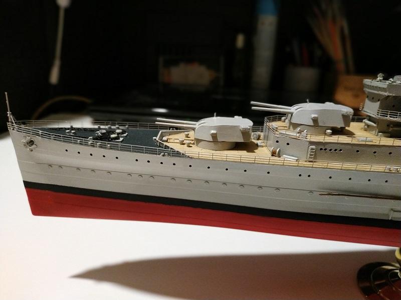 HMS Cornwall Croiseur Pesant 1/350 de Trumpeter Img_2558