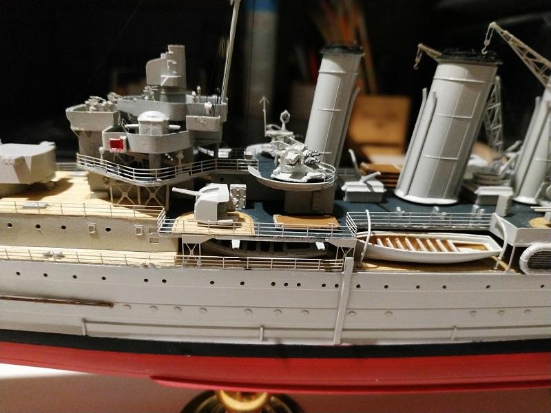 HMS Cornwall Croiseur Pesant 1/350 de Trumpeter Img_2559