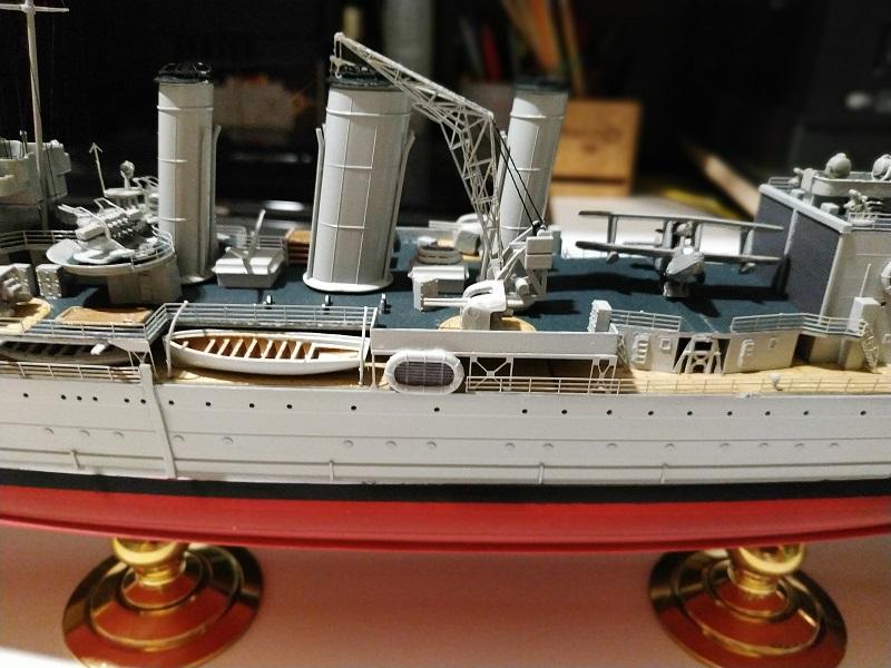 HMS Cornwall Croiseur Pesant 1/350 de Trumpeter Img_2561