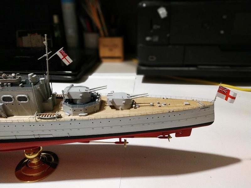 HMS Cornwall Croiseur Pesant 1/350 de Trumpeter Img_2563