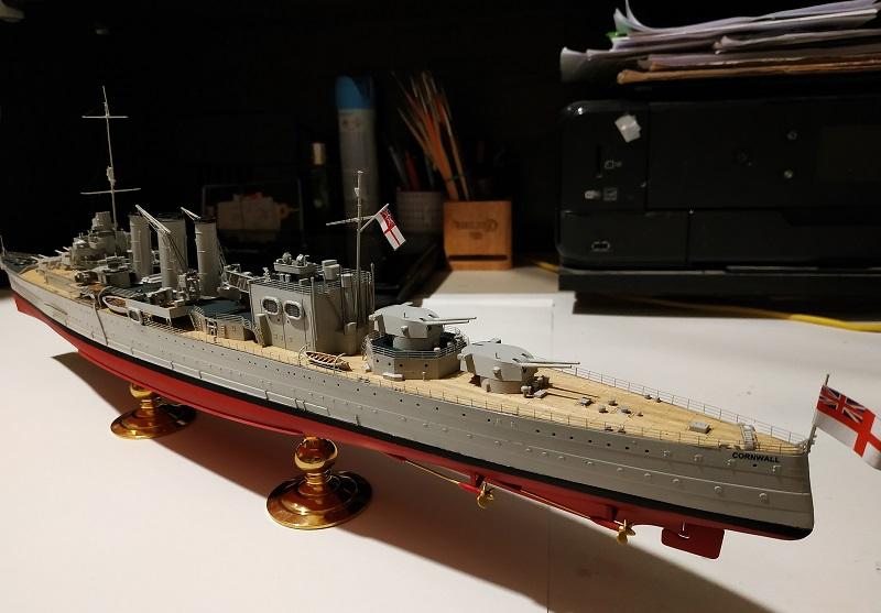 HMS Cornwall Croiseur Pesant 1/350 de Trumpeter Img_2564