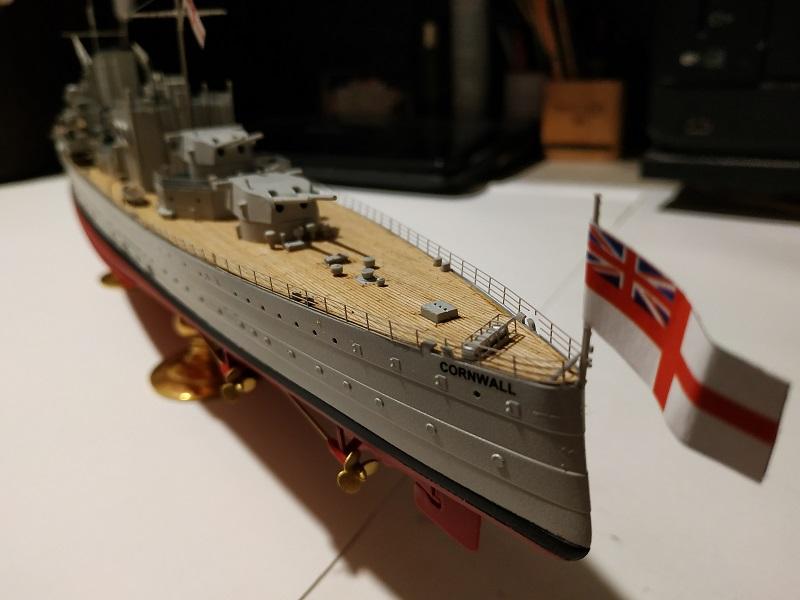 HMS Cornwall Croiseur Pesant 1/350 de Trumpeter Img_2565