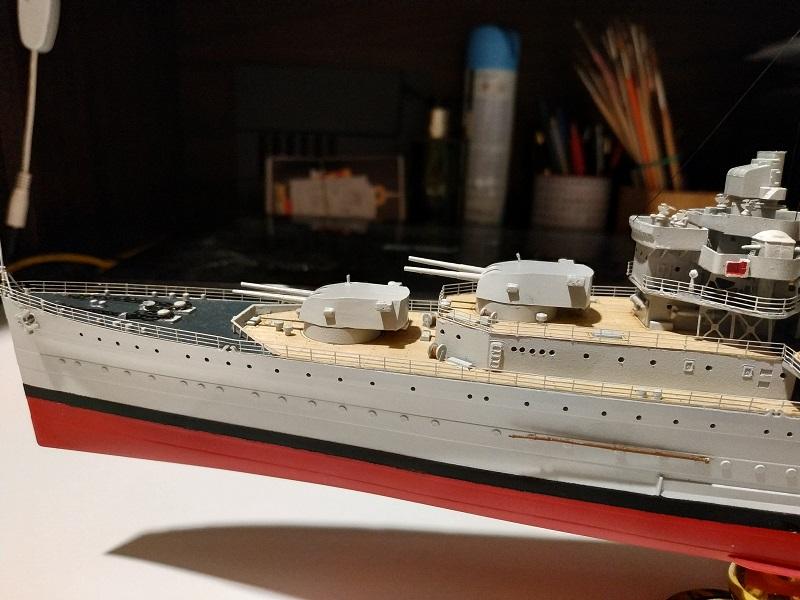 HMS Cornwall Croiseur Pesant 1/350 de Trumpeter Img_2569