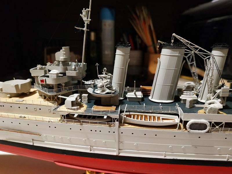 HMS Cornwall Croiseur Pesant 1/350 de Trumpeter Img_2570