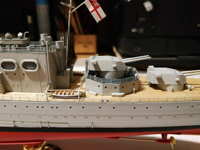 HMS Cornwall Croiseur Pesant 1/350 de Trumpeter Img_2572