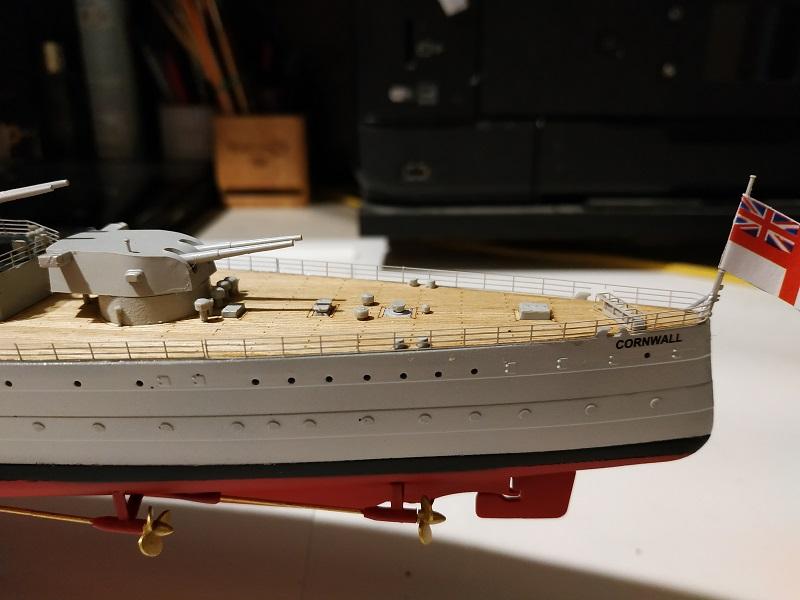 HMS Cornwall Croiseur Pesant 1/350 de Trumpeter Img_2573