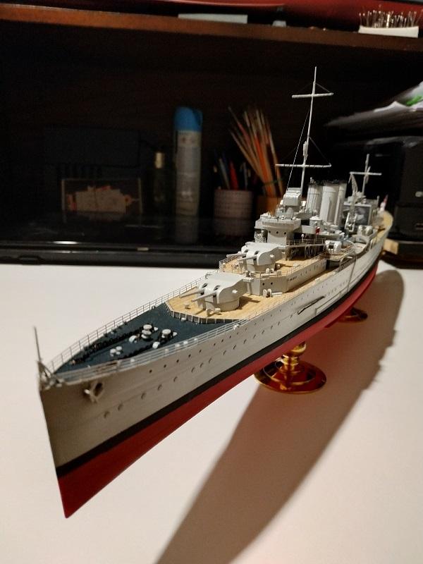 HMS Cornwall Croiseur Pesant 1/350 de Trumpeter Img_2575
