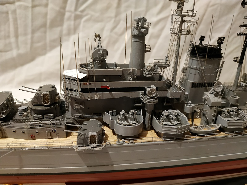 USS Salem CA-139 Heavy Cruiser 1/350 Img_2764