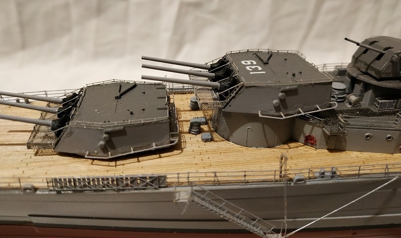 USS Salem CA-139 Heavy Cruiser 1/350 Img_2771