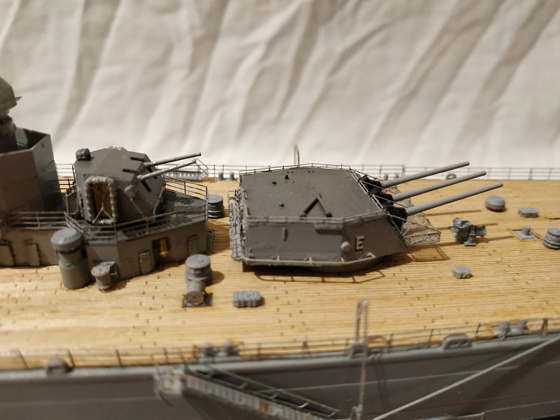 USS Salem CA-139 Heavy Cruiser 1/350 Img_2776