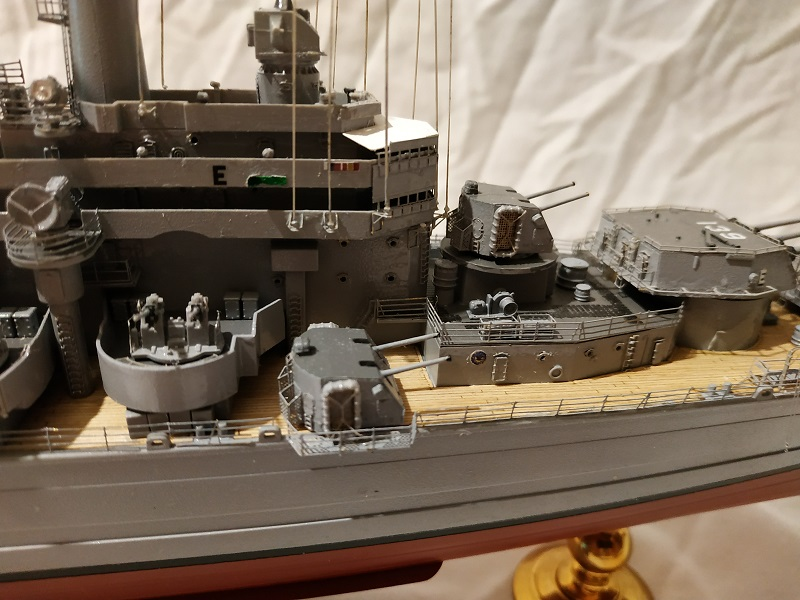 USS Salem CA-139 Heavy Cruiser 1/350 Img_2783