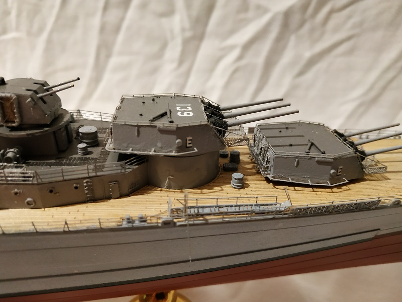 USS Salem CA-139 Heavy Cruiser 1/350 Img_2784