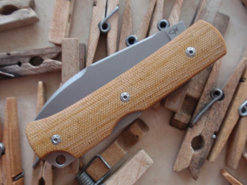 La collection de Couper au couteau - Page 28 P3045511