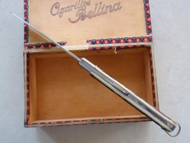 La collection de Couper au couteau - Page 27 Pa075314