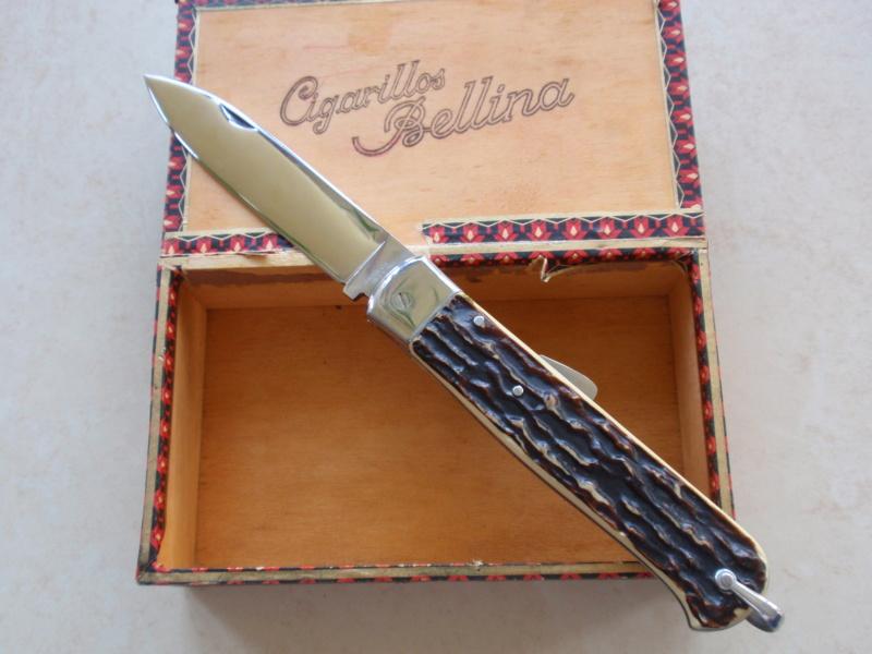 La collection de Couper au couteau - Page 27 Pa075316