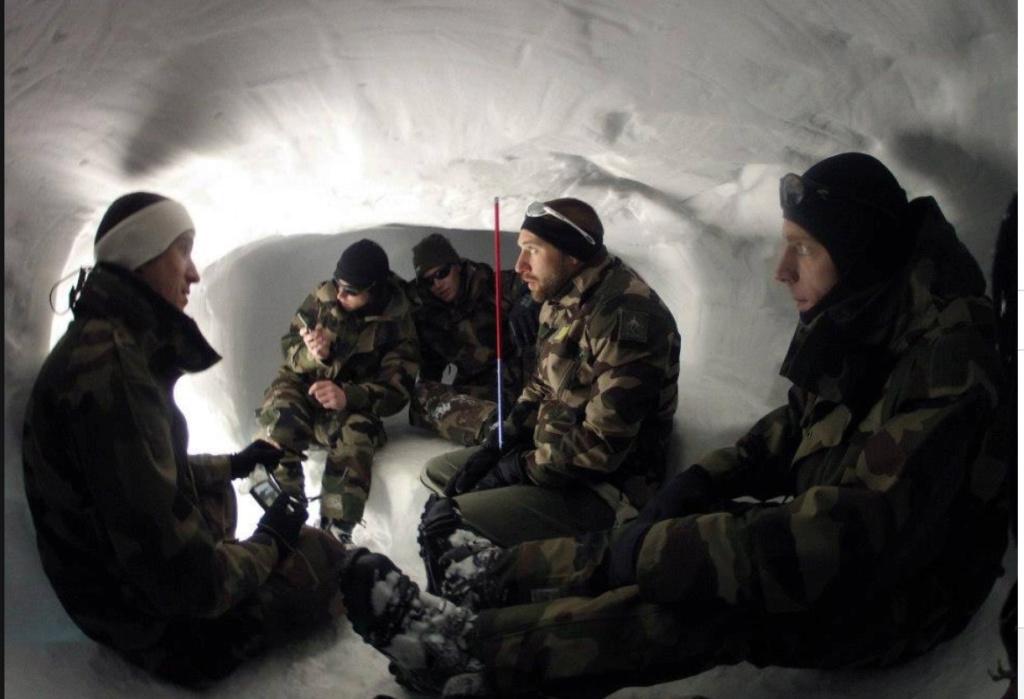 Qu'est-ce qui caractérise les troupes de montagne ? Tm1010