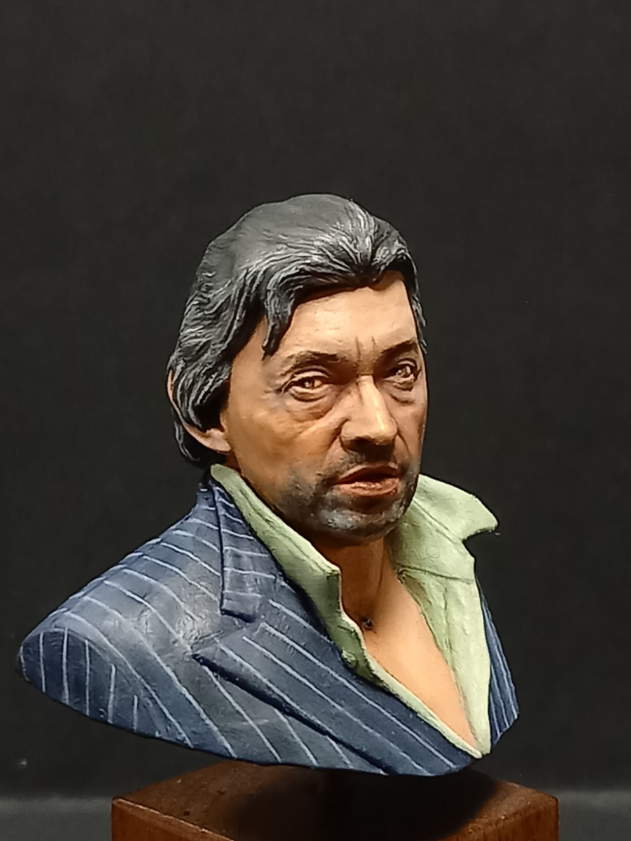 Buste Serge Gainsbourg terminé - Page 2 Gains_34