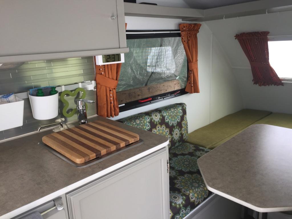 Ajout de cabinet et lit escamotable roulotte Prolite ECO 12  70fa3f10