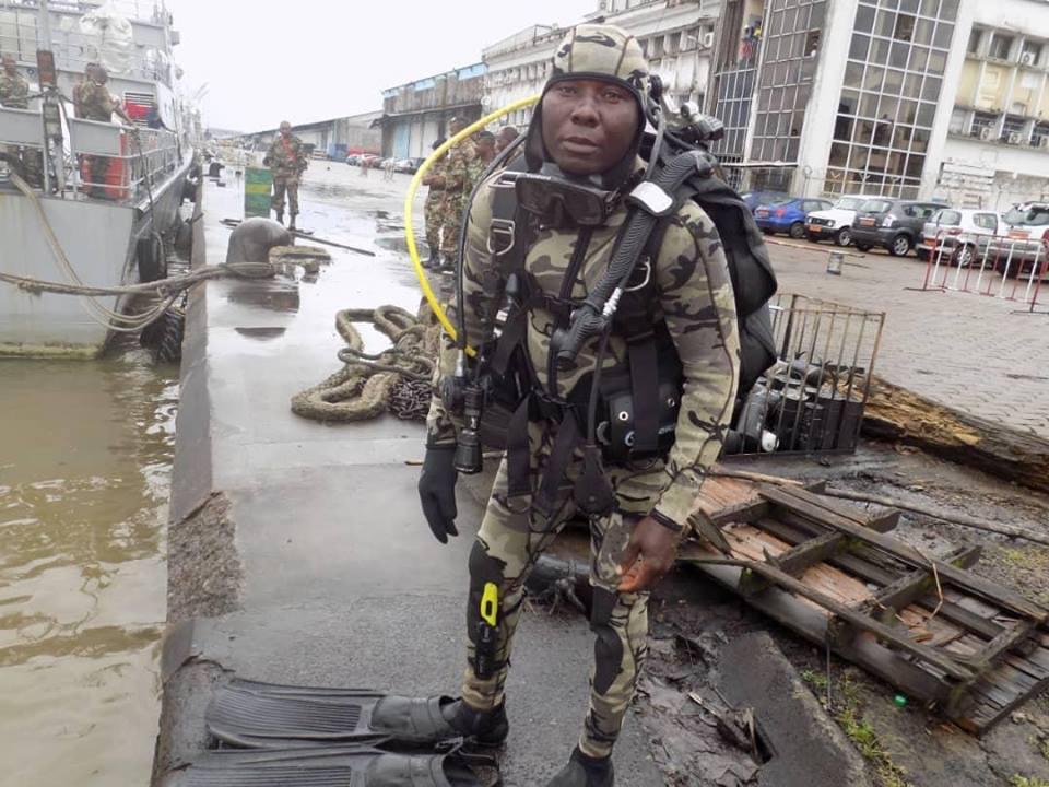 Forces Armées Camerounaises - Page 7 A2169010