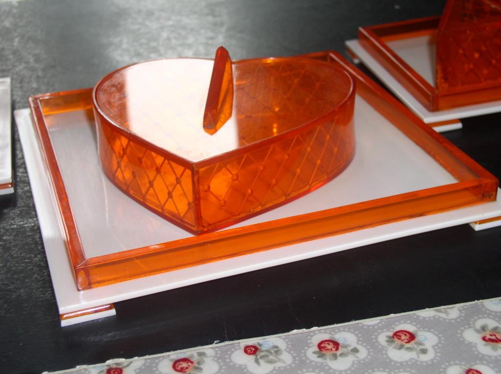 Super Funky Perspex or Acrylic Art Deco Dresser Pot's P1010013