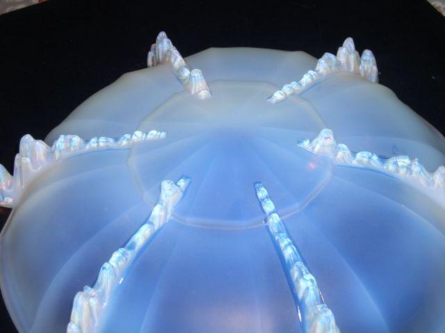 Large 3kg opal glass bowl unusual design P1010225