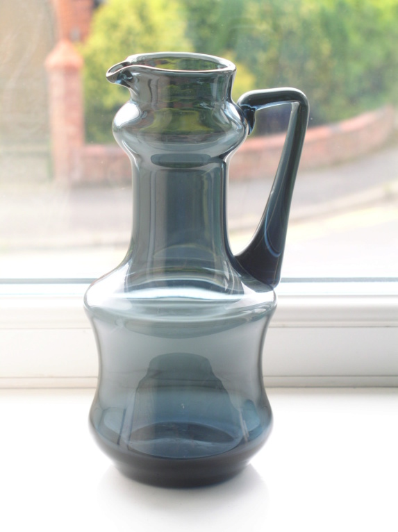 STYLISH SMOKEY/BLUE WATER PITCHER SCANDINAVIAN?? P1010233