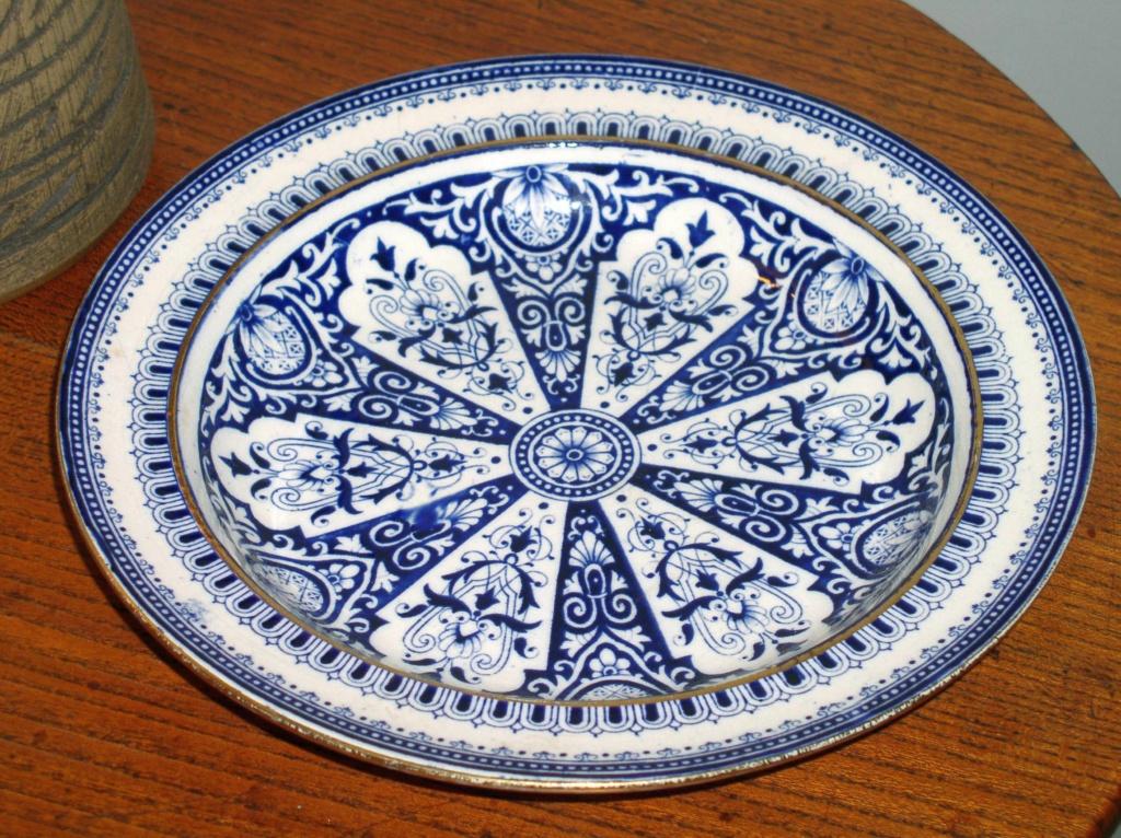 Victorian? Blue & White Soup Bowl Registration Mark to base???? P1010350