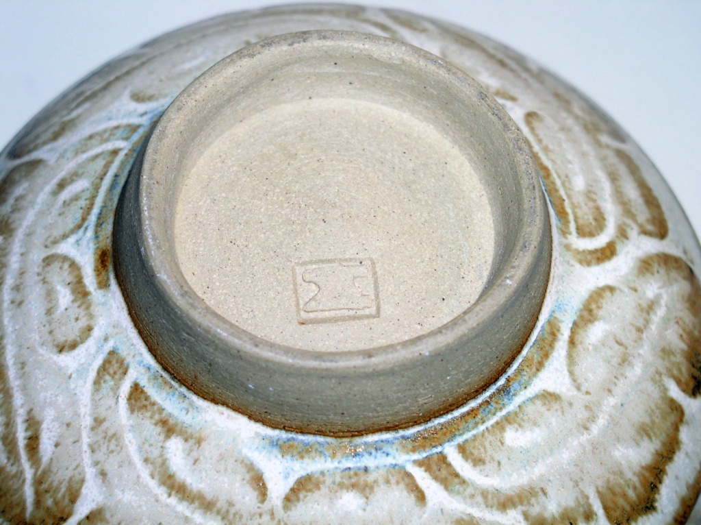 Studio pottery vase - Anvil Pottery P1011010