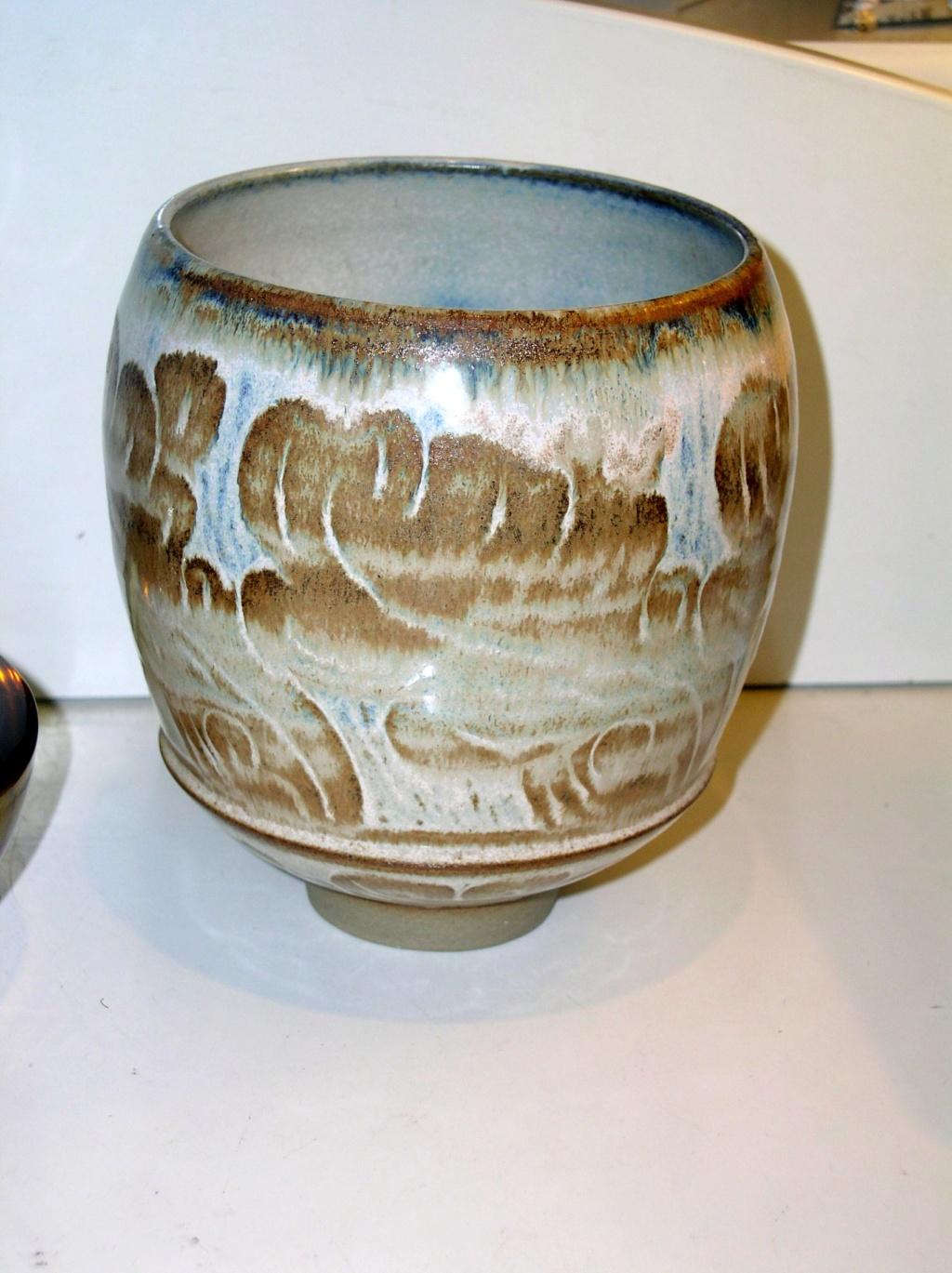 Studio pottery vase - Anvil Pottery P1011011