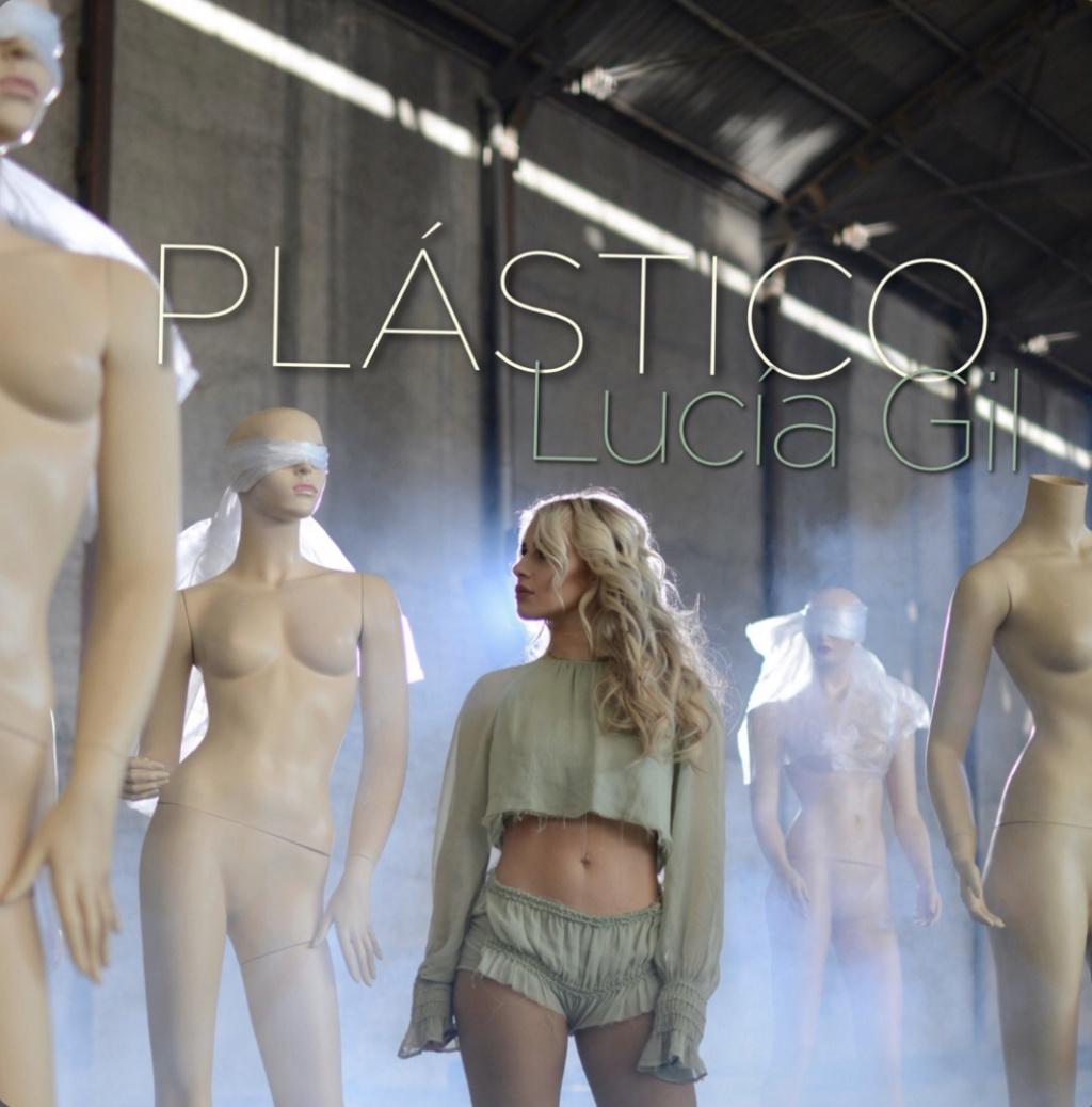"""Lucía Gil >> Single """"Plástico"""" A6a54010"""