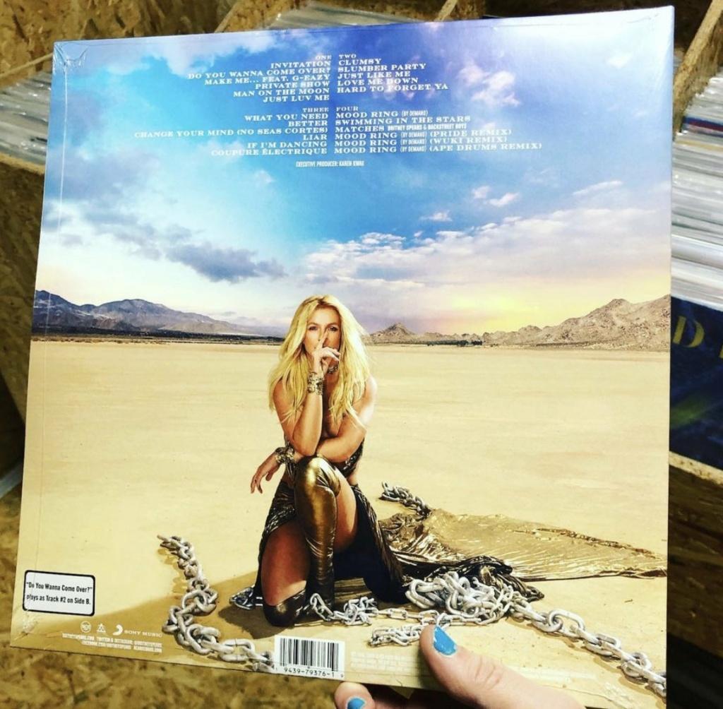 """Britney Spears >> single """"Swiming In The Stars""""  - Página 10 Bf863710"""